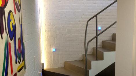 stimmungsvolle beleuchtung fr das treppenhaus beleuchtung. Black Bedroom Furniture Sets. Home Design Ideas
